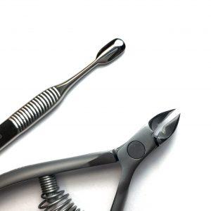 סט צבתית ודוחף עור איכותיים Staleks Nippers & Cuticle Pusher