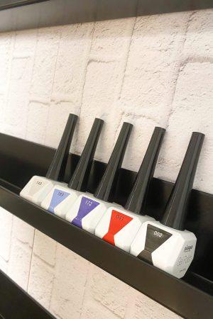 """זוג (2 יח') מדפי קיר איכותיים לאחסון בקבוקי לק – 55*5*6 ס""""מ (שחור מאט)"""